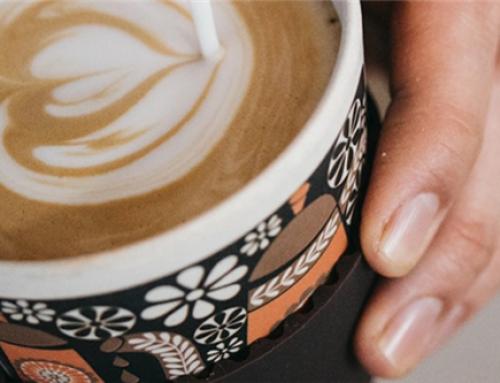 Met de trein naar het werk? Zo drink je je koffie goedkoper en duurzamer!
